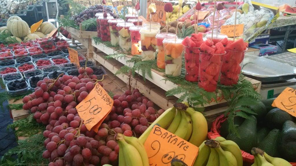 Market refreshing fruits_17_1
