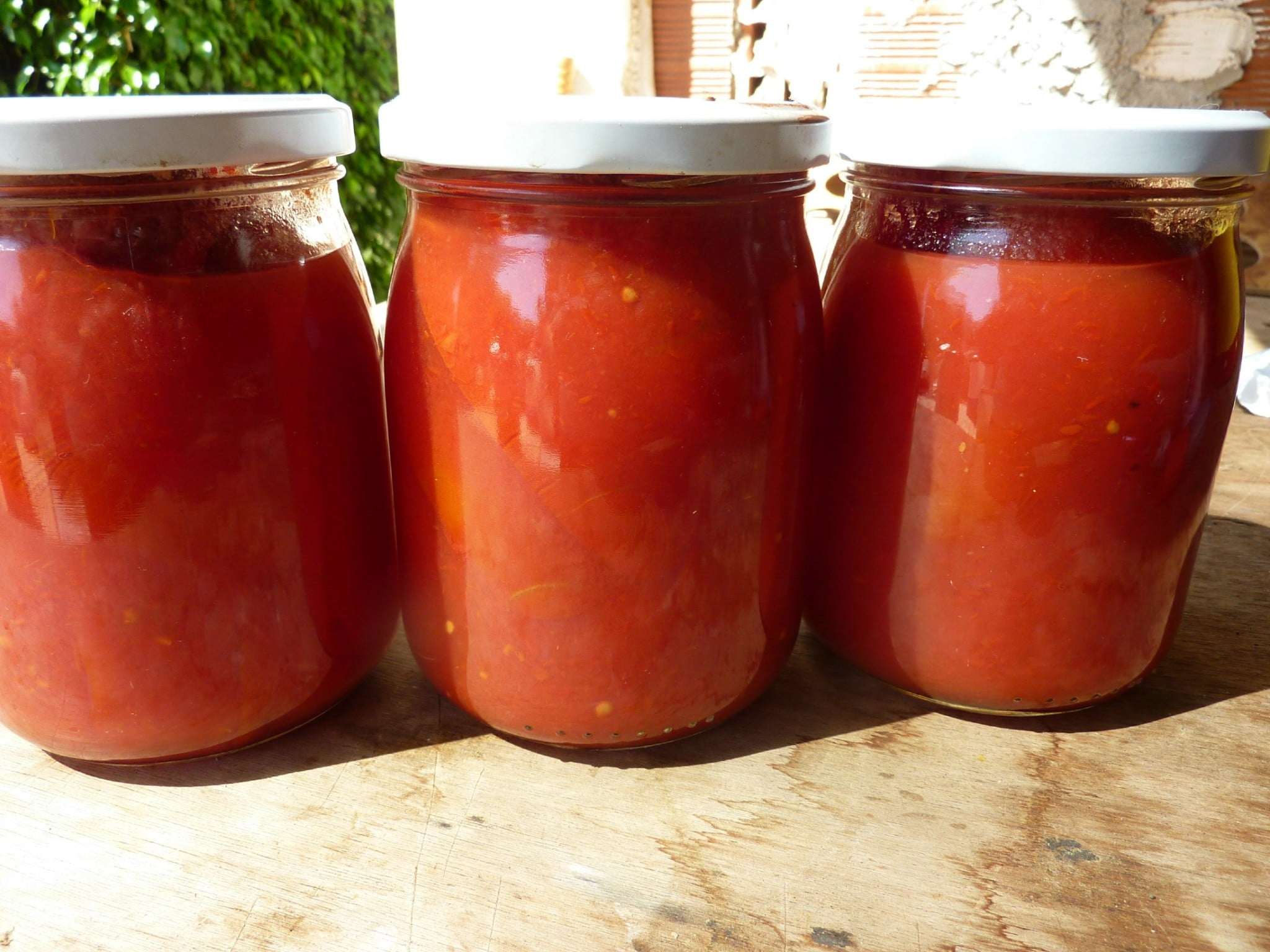 homemade canned tomatoes sauce