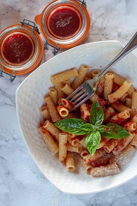 pasta with simple Italian tomato sauce
