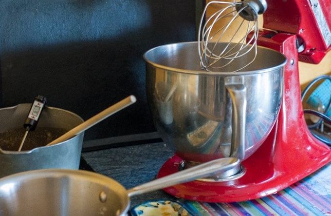 Whisk the egg whites with sugar-1