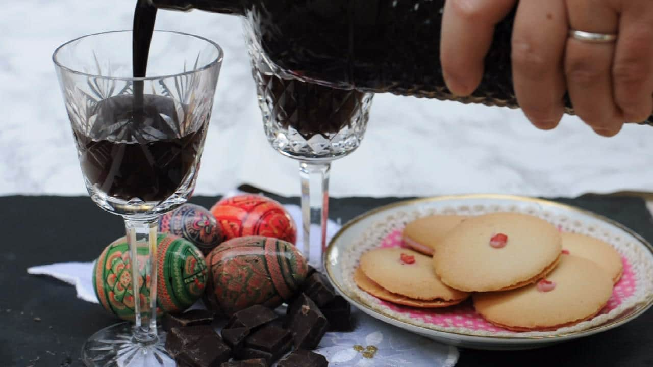 Pouring the chocolate liqueur