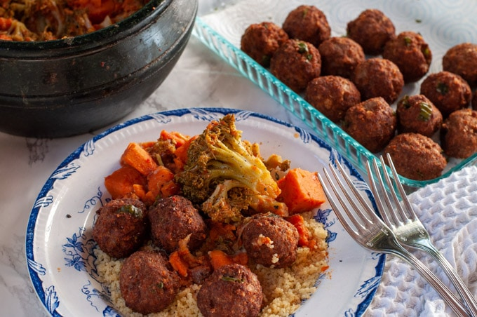 Couscous with meatballs and vegetables
