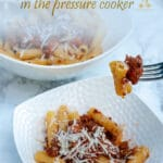 To make an easy Bolognese pasta sauce, I make it in the pressure cooker, it takes only 35 minutes and it is incredibly tasty. The pressure in the pan keeps all the flavours inside and combines them to perfection.