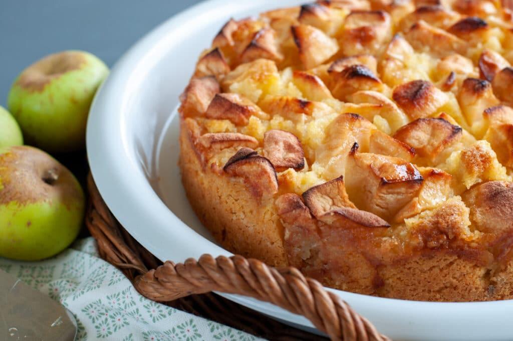 Cake with plenty of apples
