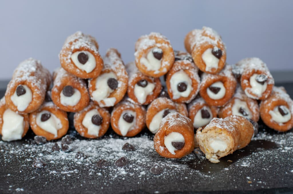 cannoli filled with ricotta cream and chocolate chips