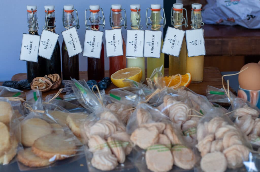 liqueurs and cookies as edible gifts