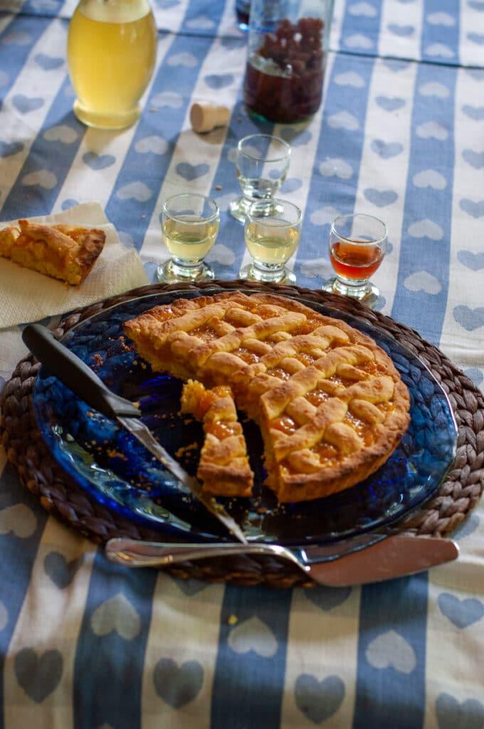 Italian liqueurs and crostata