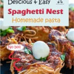 Using homemade pasta nests, you can easily make these fun spaghetti muffins that are perfect for a buffet or a children's party. You can top them with small mozzarella balls or quail eggs and celebrate Spring or Easter with these edible little bird's nests.