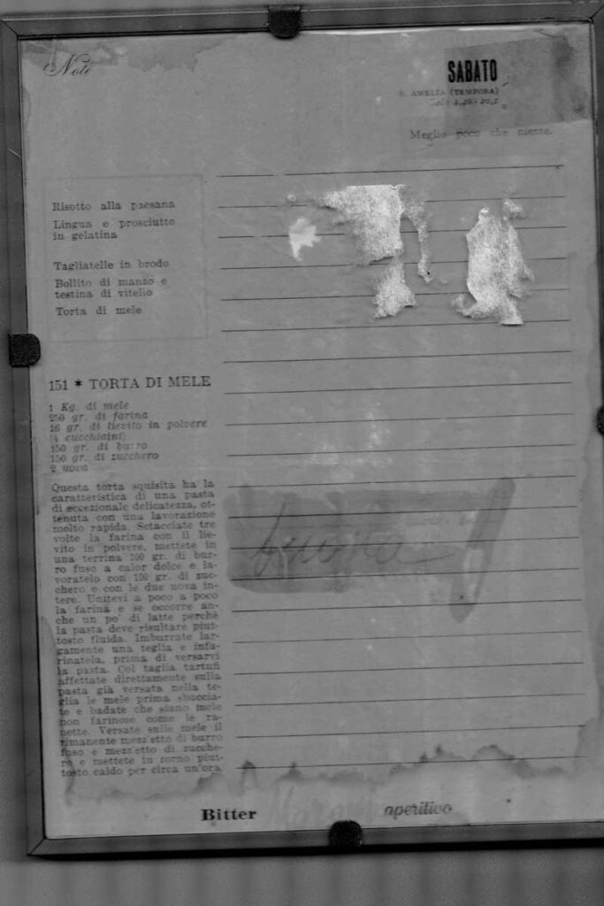 Old page with apple recipe from the 1950